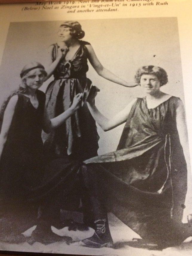 Noel Streatfeild in Vingt et Un 1915